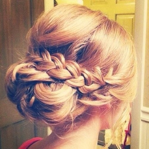 For A Laid Back Up Do Plaits Braids Are Perfect Try Curling Hair